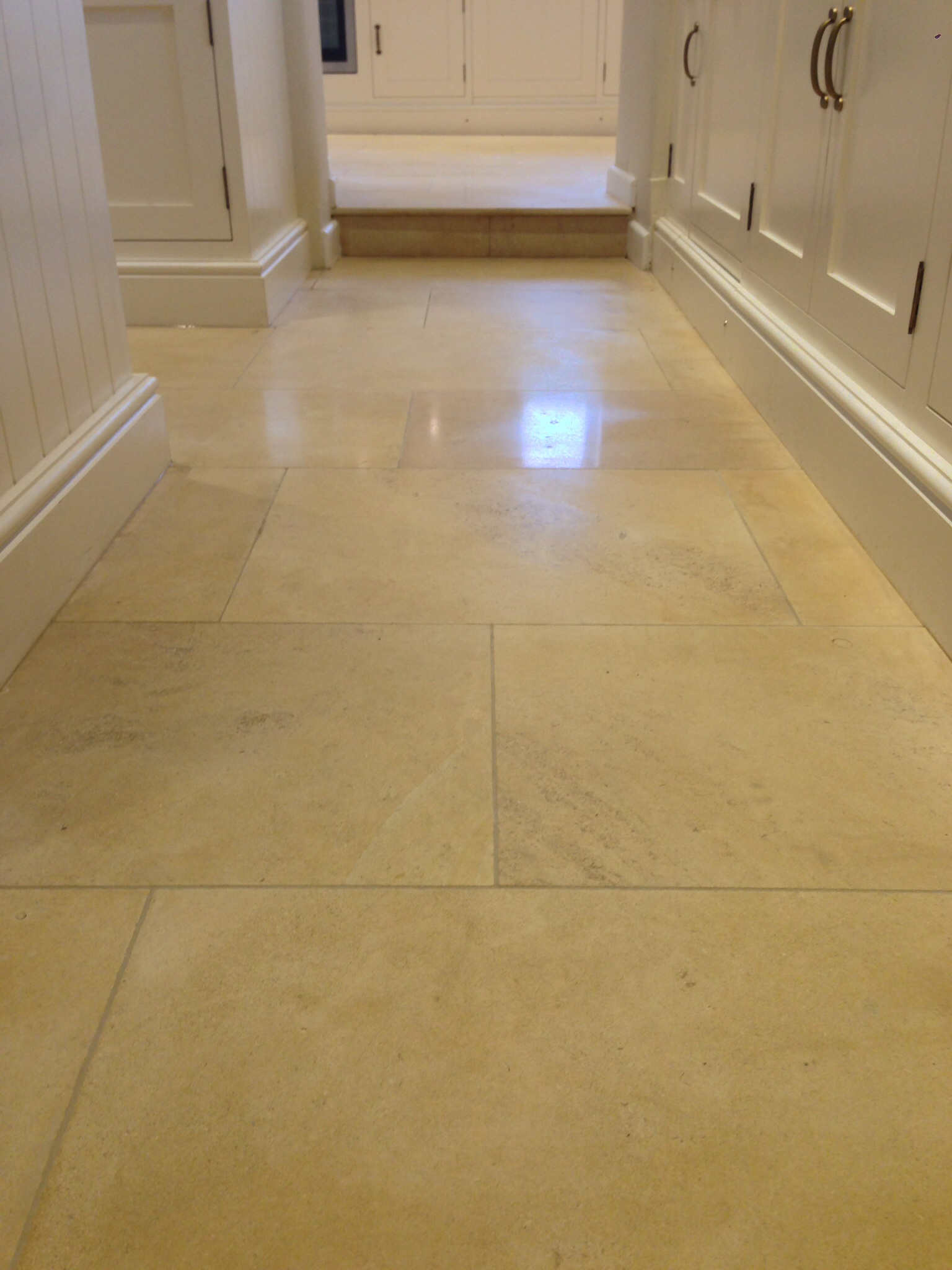 Natural stone ploshing cotswold limestone after cleaning natural polishing dailygadgetfo Images